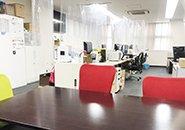 事務所はとても清潔感があり、キレイです!